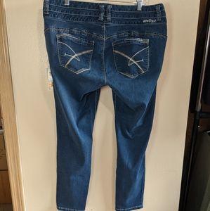 Amethyst Bodycon 'Tabby' Jeans.